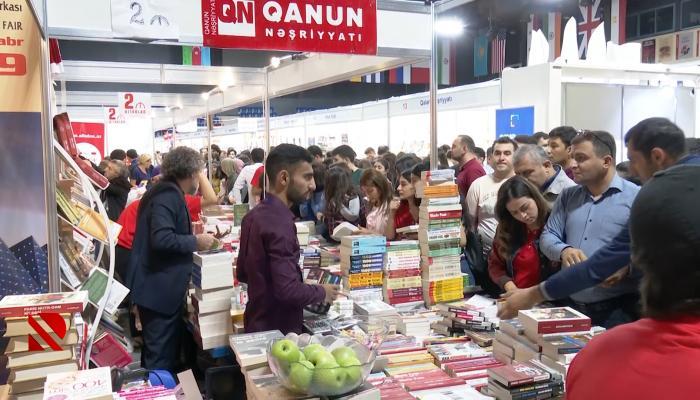 """""""Ədəbiyyata maraq artıb, alıcılar çoxalıb"""""""