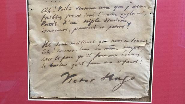 Fransada Hüqonun əlyazması və unudulmuş şeiri aşkarlanıb